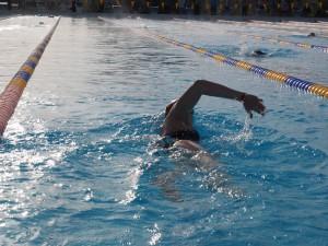 Tekniktræning - crawlsvømning ser legende let ud